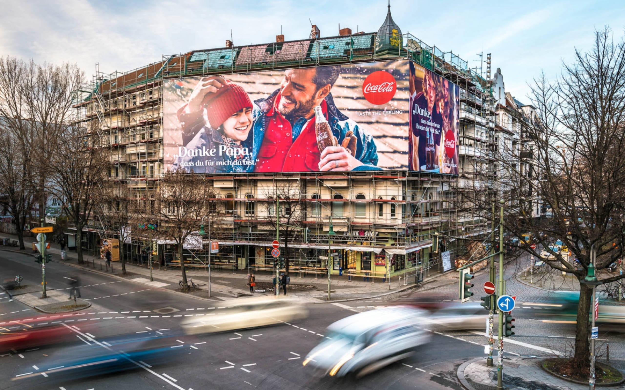 Coca-Cola Riesenposter in Berlin Kreuzberg