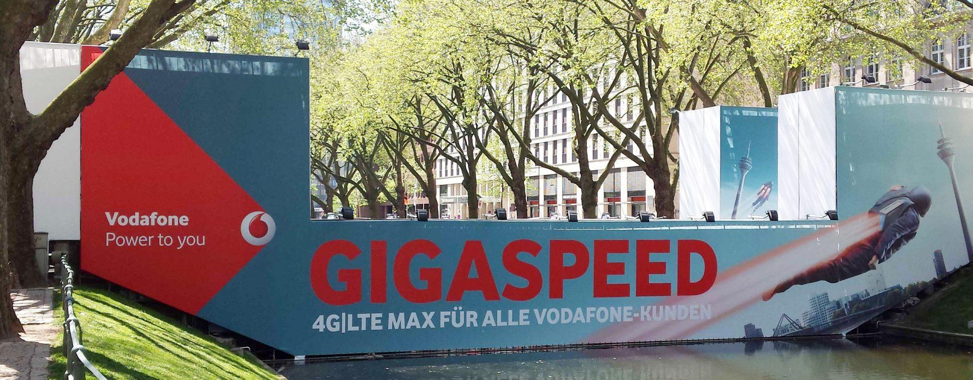 Vodafone Bastionbruecke Düsseldorf Grossformatdruck Kleinhempel
