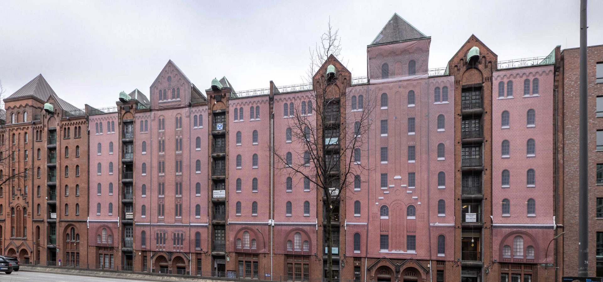 Fassadennachbildung von Kleinhempel Large Format Printing in der Hamburger Speicherstadt