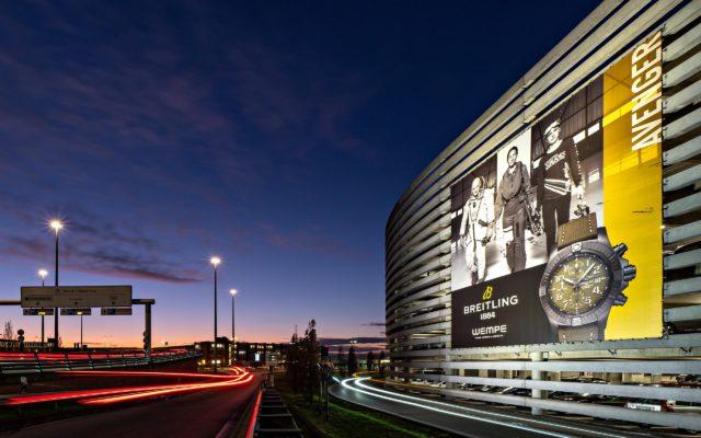 Riesenposter für Breitling am Hamburger Flughafen